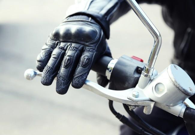 Bien choisir ses gants de moto pour l'été