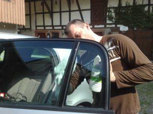 voiture-vitre-teinte-nettoyage
