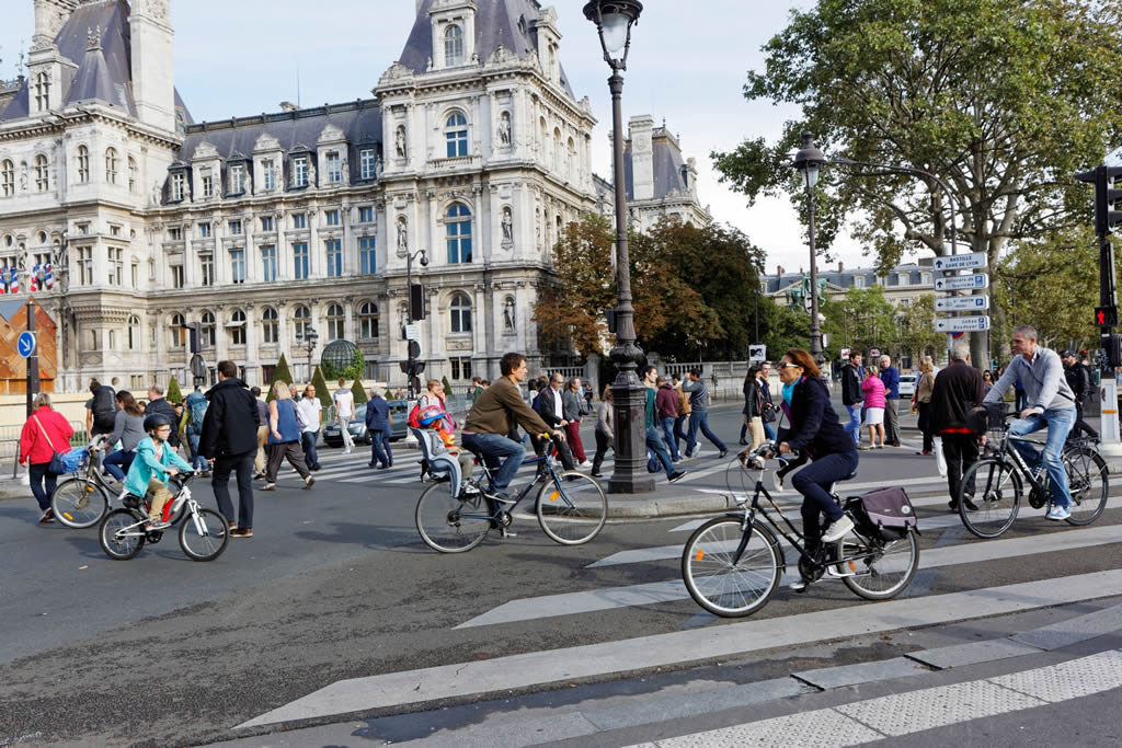Une journée sans moto le 1er octobre dans tout Paris