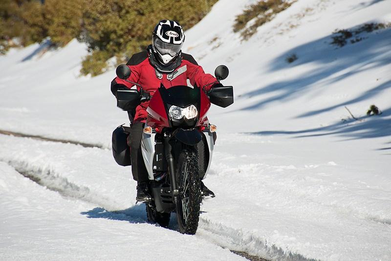 Conduire une moto en hiver : tous nos conseils pour rouler en sécurité